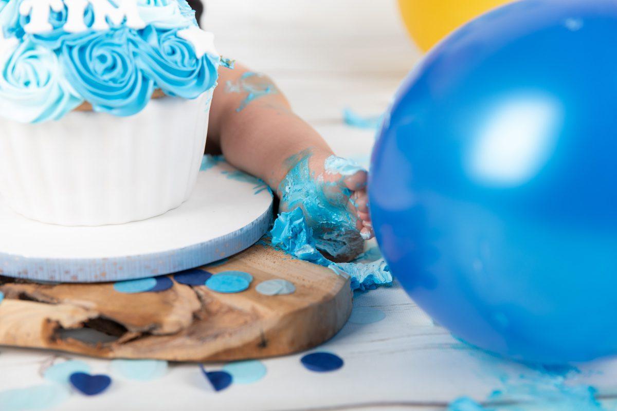 Cakesmash fotografie, Cake smash, cakesmash, cakesmash, cake smash fotografie groningen, cake smash fotografie mussel, cakesmasg sellingen, cakesmash fotografie sellingen, cakesmash, cake smash fotografie, cakesmash, eerste verjaardag, fotoshoot, fotografie, Cakesmash fotoshoot Cakesmash cake smash groningen, cakesmash stadskanaal, cakesmash drenthe, cake smash fotograaf, cake smash fotografie drenthe, cake smash fotografie stadskanaal, cake smash fotoshoot kind